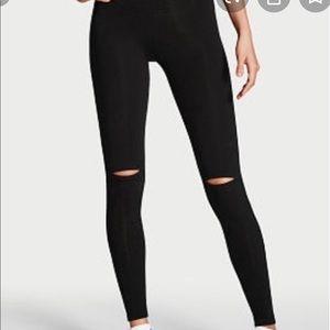 Black fashion leggings - Holes in the knee area